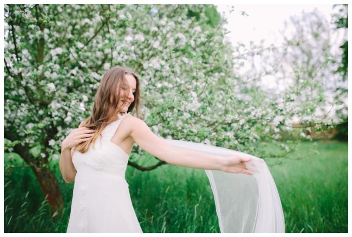 After-Wedding-Fotoshooting-Hannover-Kirsch-Apfelblütenbäume_0022