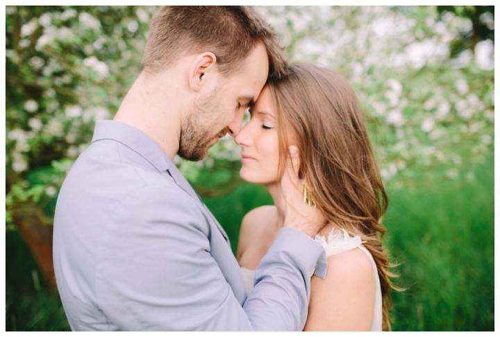 After-Wedding-Fotoshooting-Hannover-Kirsch-Apfelblütenbäume_0038