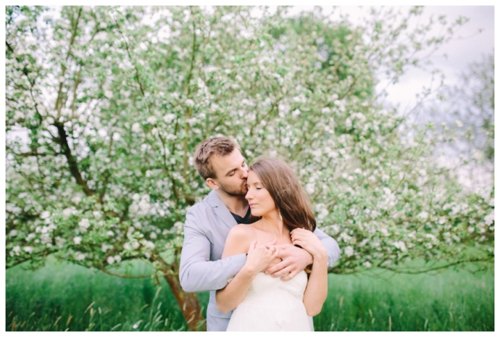After-Wedding-Fotoshooting-Hannover-Kirsch-Apfelblütenbäume_0039